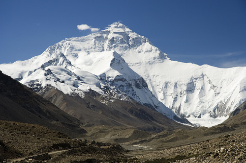 201010-Everest_North_Face_toward_Base_Camp_Tibet_Luca_Galuzzi_2006.jpg